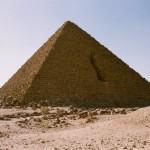 Dieta a base di carne per i 10.000 costruttori della piramide del Faraone Micerino, Giza