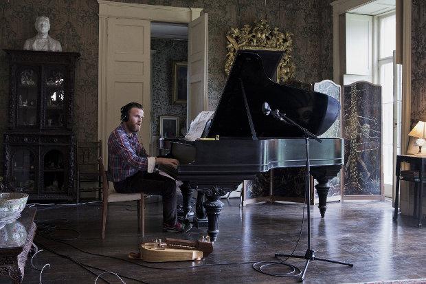 """""""The visitor"""": installazione di immagine e musica dell'islandese Ragnar Kjartansson, in mostra sino al 17 novembre, Milano"""