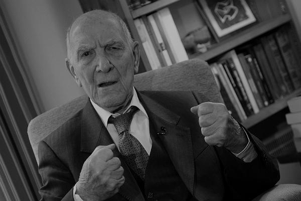 Muore a 95 anni Stephane Hessel, l'indignato per eccellenza