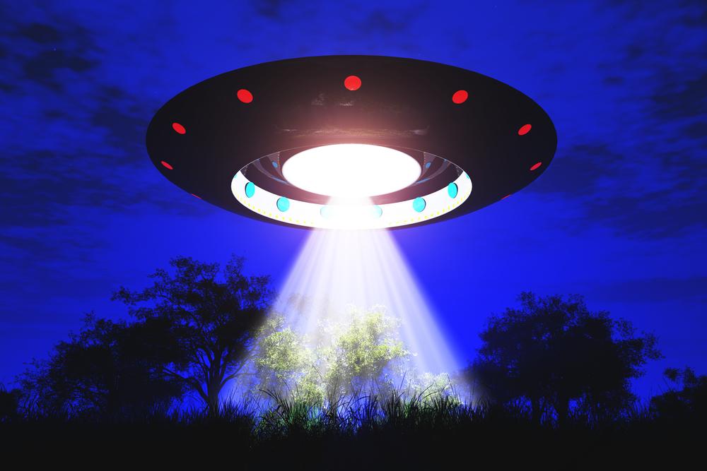 Il 5 aprile 2014 una flotta di UFO invaderà la Terra: ma cosa c'è davvero dietro questa incredibile notizia?