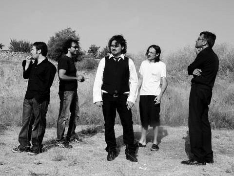"""""""Claustrofobikronico"""", videoclip dell'album """"L'amore è un precario"""" della band Uross"""