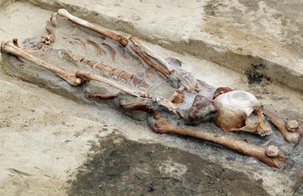 Scoperto in Polonia un cimitero di vampiri: avevano il cranio posizionato fra le gambe