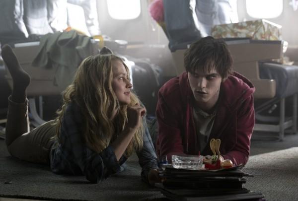 """""""Warm Bobies"""" ed i suoi zombie in vetta alla classifica dei film più visti al cinema per il week end  8 – 10 febbraio"""